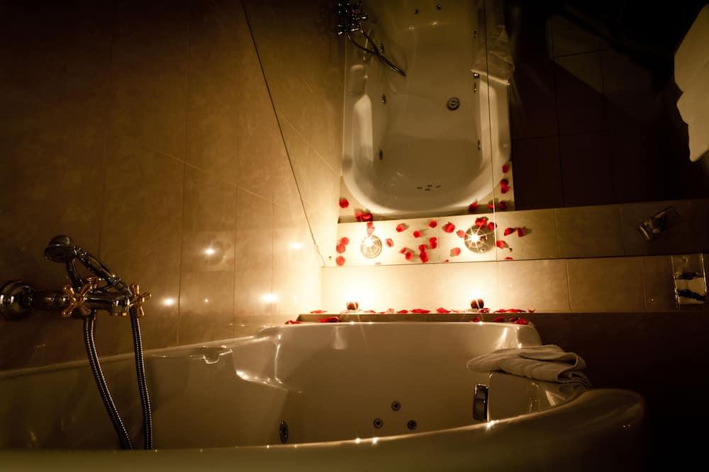 Quarto casal superior, Banheira de hidromassagem - Banheiro
