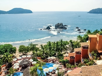 Picture of Embarc Zihuatanejo in Zihuatanejo