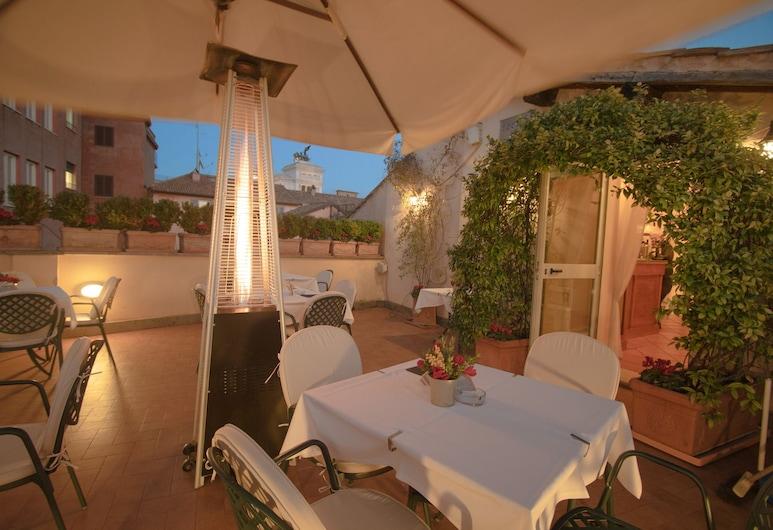 Hosianum Palace, Rome, Terrace/Patio