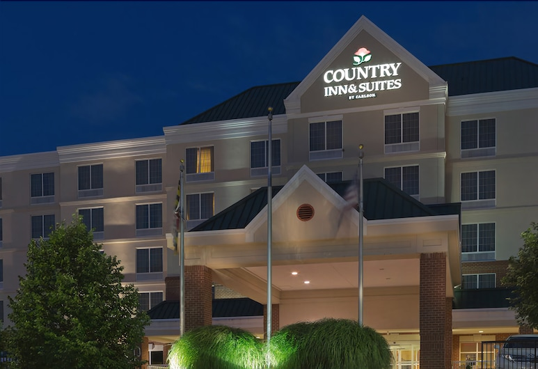 Country Inn & Suites by Radisson, BWI Airport (Baltimore), MD, Linthicum Heights, Facciata hotel (sera/notte)