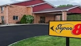 Reserve this hotel in Watseka, Illinois