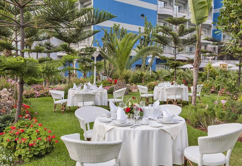 Club Val D Anfa, Casablanca, Speisen im Freien