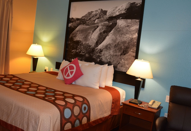 Super 8 by Wyndham Austin/Airport South, Austin, Standard Room, 2 Queen Beds, Guest Room