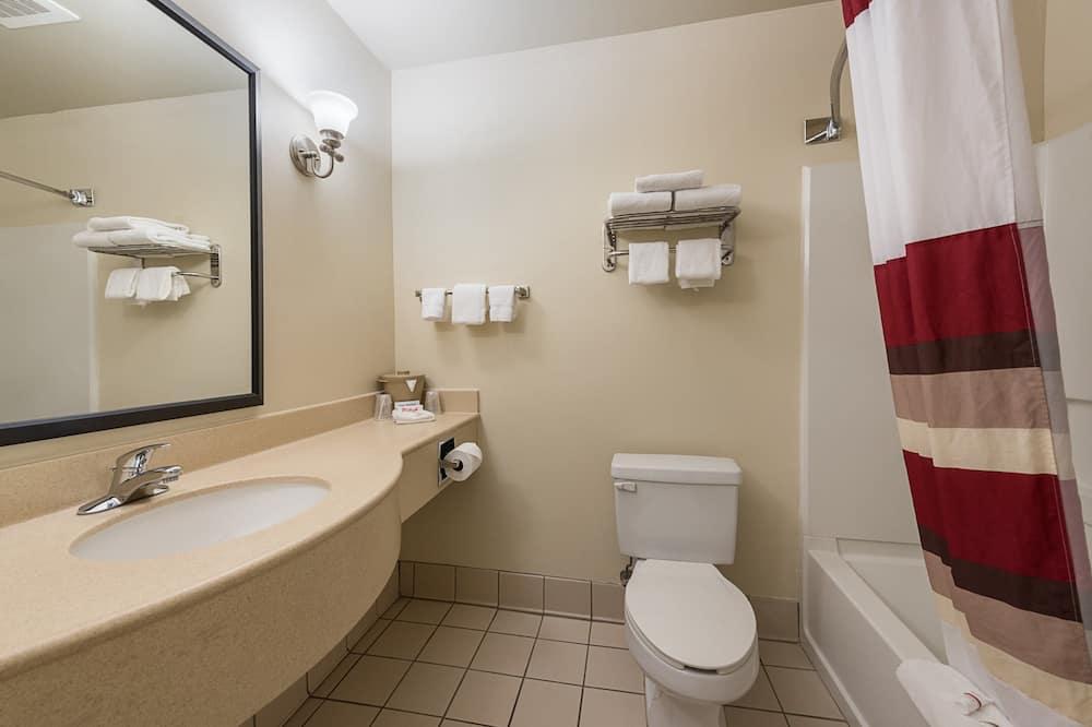 Quarto Deluxe, 2 camas queen-size, Não-fumadores - Casa de banho