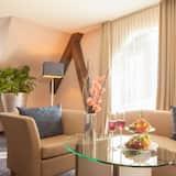 Executive Double Room - Living Area