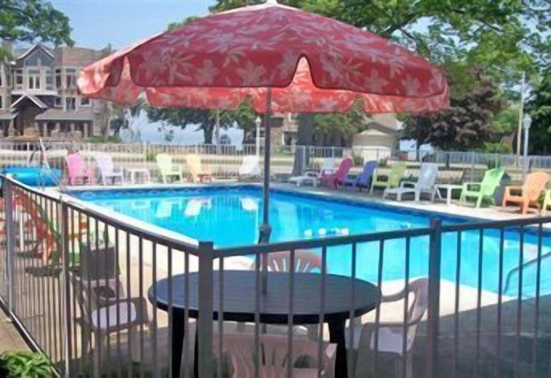 American Boutique Inn - Lakeview, Mackinaw City, Piscina al aire libre
