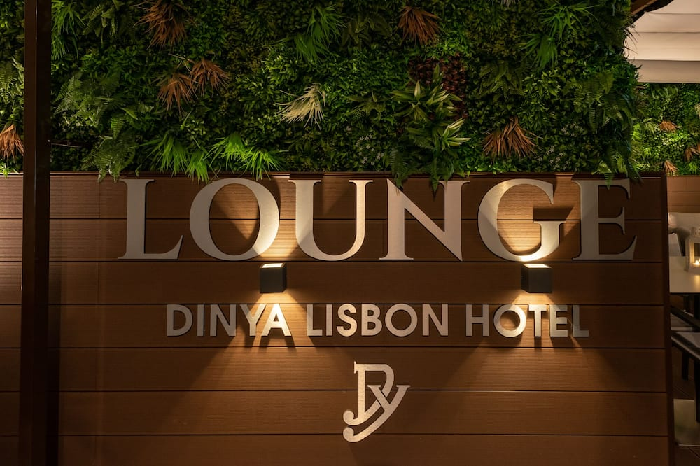 Dinya Lisbon Hotel & Lounge Bar