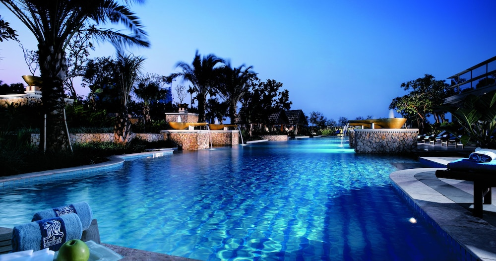 The Ritz-Carlton, Millenia Singapore - Room Deals, Photos