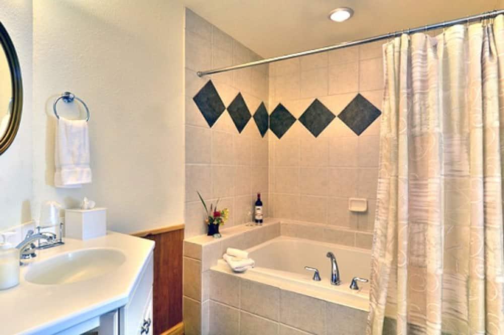 Room, Private Bathroom - Bathroom
