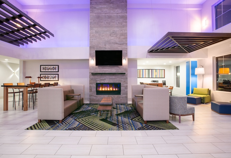 Holiday Inn Express Hotel & Suites Seaside-Convention Center, Seaside, Lobby