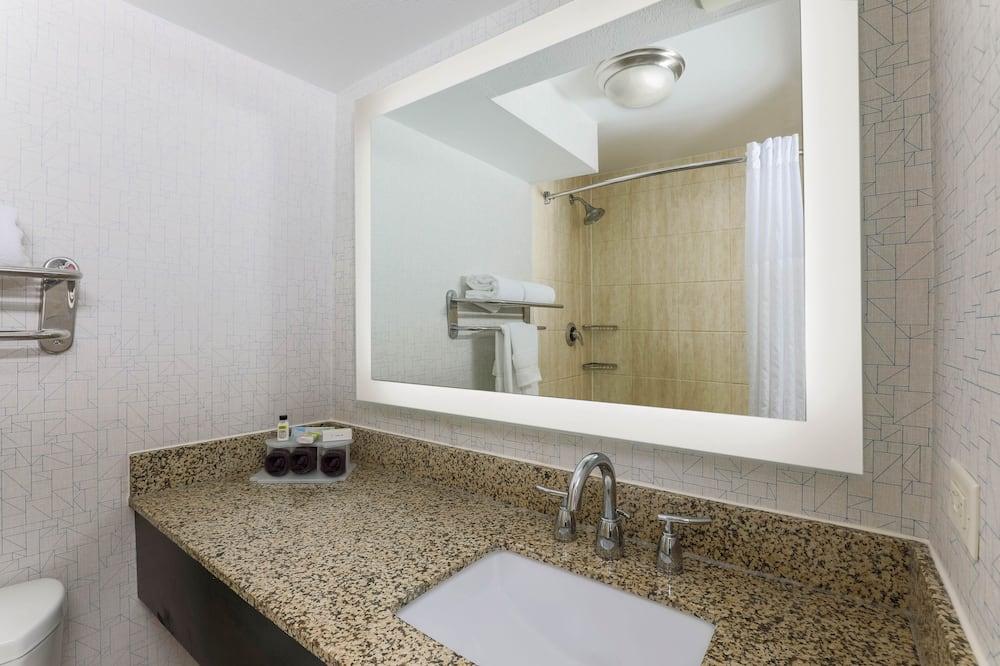 Premium Room, 1 Katil Raja (King), Non Smoking, View - Bilik mandi