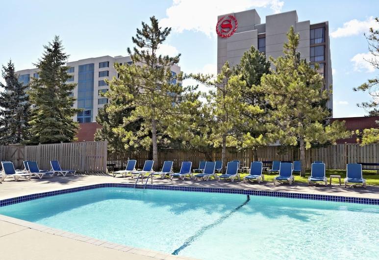 Sheraton Parkway Toronto North Hotel & Suites, Richmond Hill, Piscina Exterior
