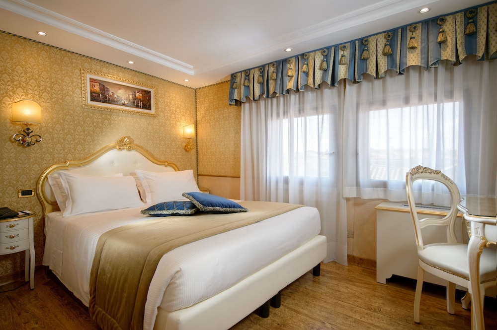 book hotel olimpia venice in venice. Black Bedroom Furniture Sets. Home Design Ideas