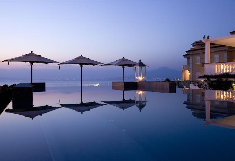 Hotel Corallo, Sant'Agnello, Basen z ukrytą krawędzią