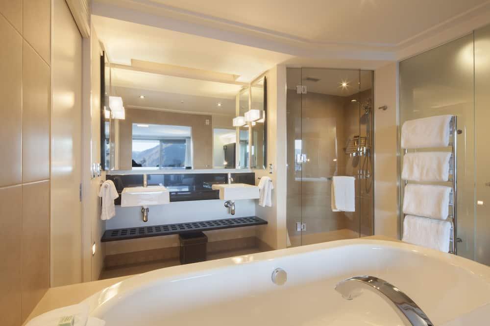 ห้องซูพีเรียสวีท - อ่างอาบน้ำ