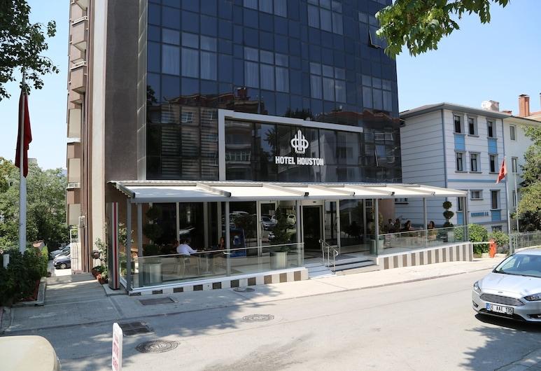 Hotel Houston, Ankara, Otelin Önü