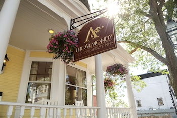 Picture of Almondy Inn in Newport