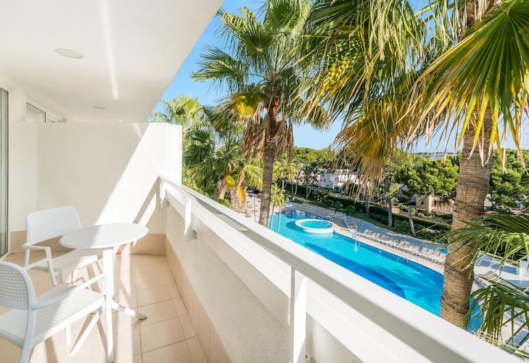 Iberostar Cristina, Playa de Palma, Семейный номер, балкон, вид на бассейн, Номер