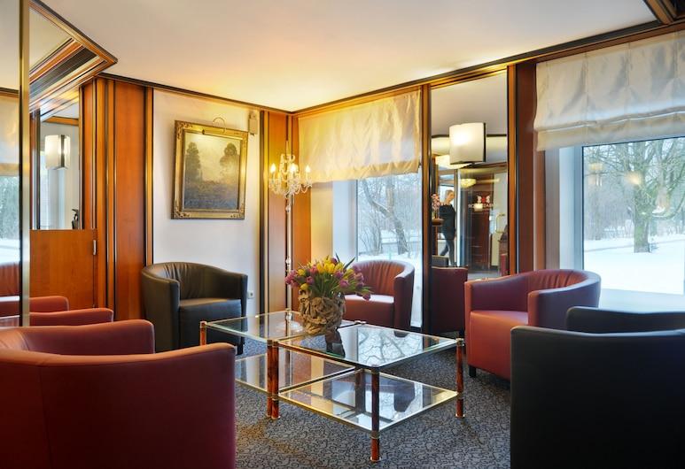 Ambassador Parkhotel, München, Sæti í anddyri
