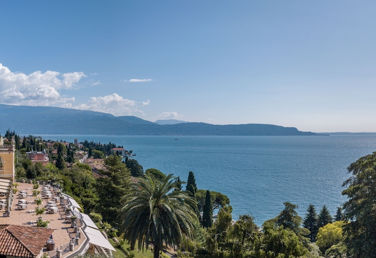 โรงแรมวิลล่าเดลโซนโญ, Gardone Riviera