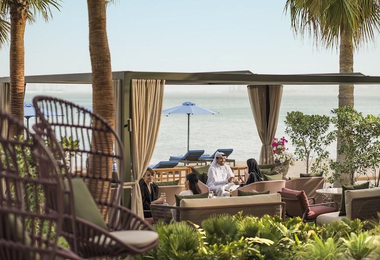 Four Seasons Hotel Doha, Doha, Hotel Bar