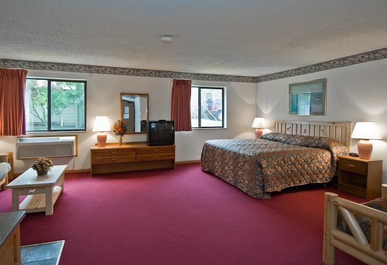 Americas Best Value Inn & Suites International Falls, International Falls, Suite, 1 King Bed, Non Smoking (Jacuzzi), Guest Room