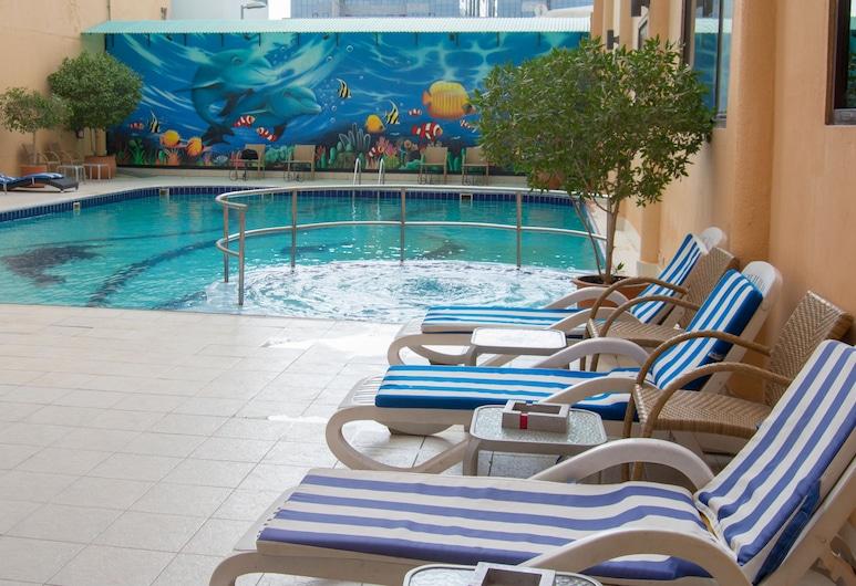 Marco Polo Hotel, Dubai, Kolam Renang Luar Ruangan