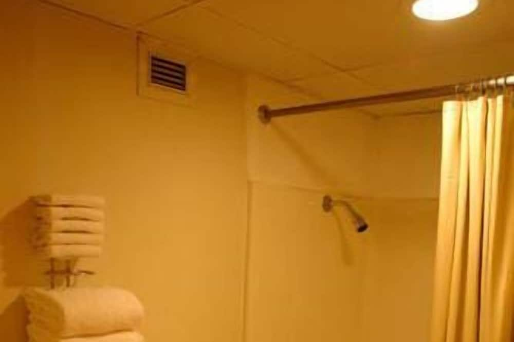 Standaard kamer, 2 queensize bedden, niet-roken - Badkamer
