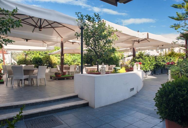 Magris Hotel, Neapol, Areál