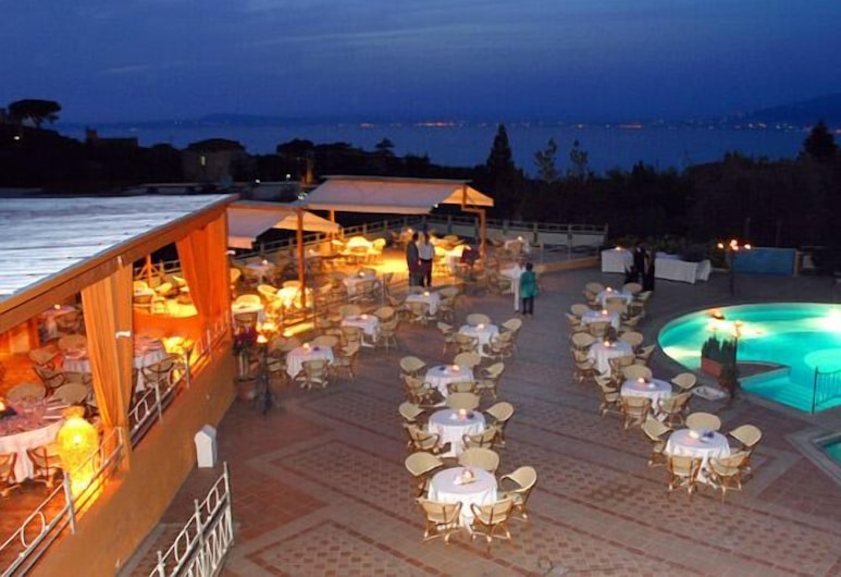 Grand Hotel Vesuvio, סורנטו, אזור אירועים בחוץ