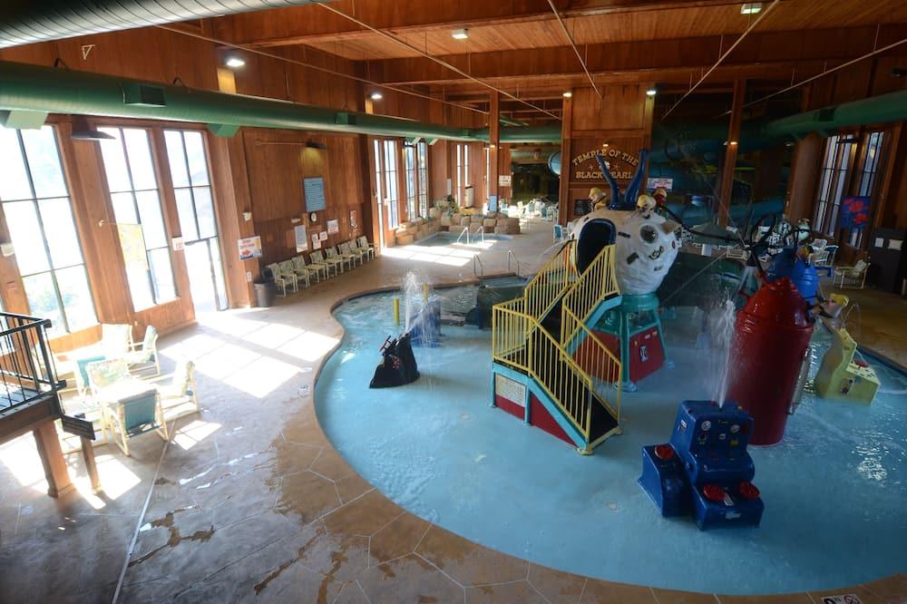 Polynesian Water Park Resort, Wisconsin Dells