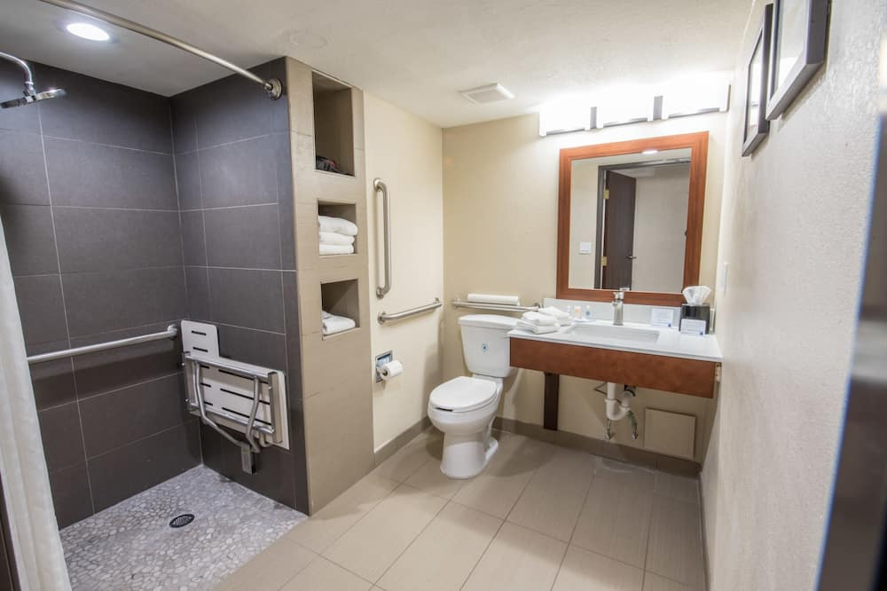 Chambre, 2 grands lits, accessible aux personnes à mobilité réduite, non-fumeurs - Salle de bain