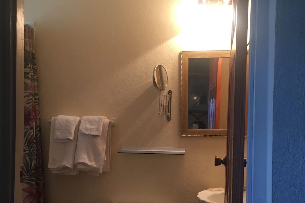 Comfort Room, 1 Double Bed, Valley View - Bathroom
