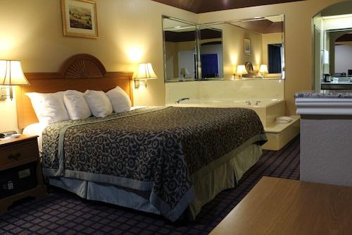藍寶石套房飯店/