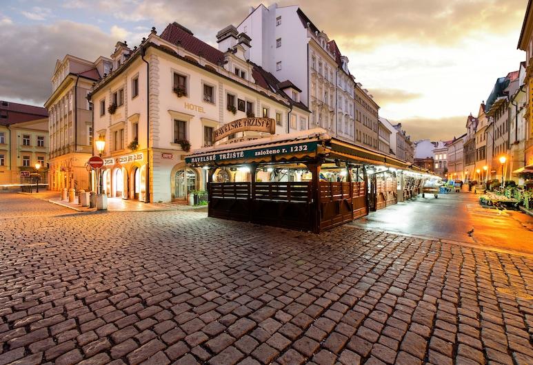 Hotel Melantrich, Prag, Otelin Önü - Akşam/Gece