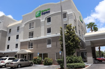Picture of Holiday Inn Express Hotel & Suites Clearwater/Us 19 N in Clearwater