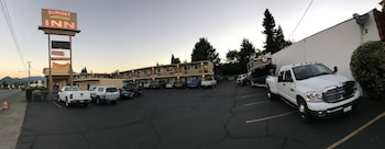 Picture of Sunset Inn in Grants Pass