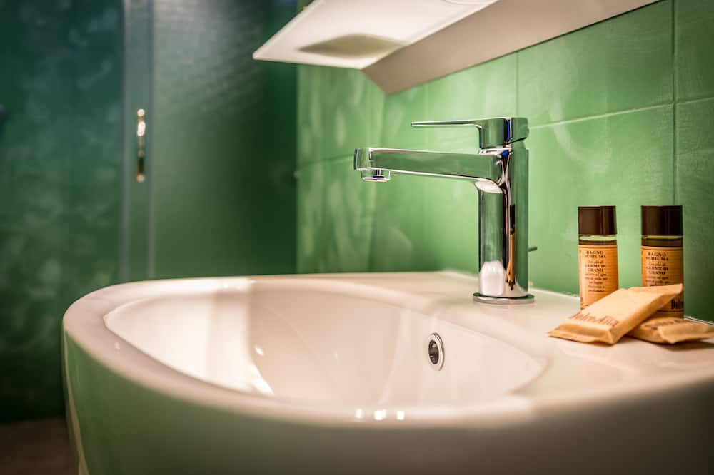 Chambre Double Économique, salle de bains privée (external) - Salle de bain