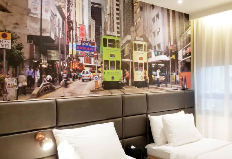 Travelodge Central,Hollywood Road, Hong Kong, Premier Room, 1 Queen Bed, Guest Room