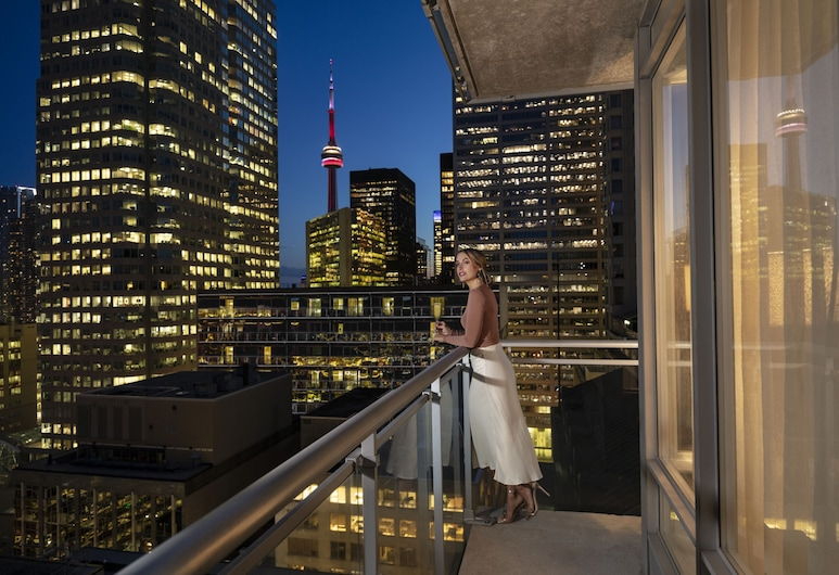Executive Hotel Cosmopolitan Toronto, Toronto, Executive suite, 1 queensize bed, niet-roken, Terras