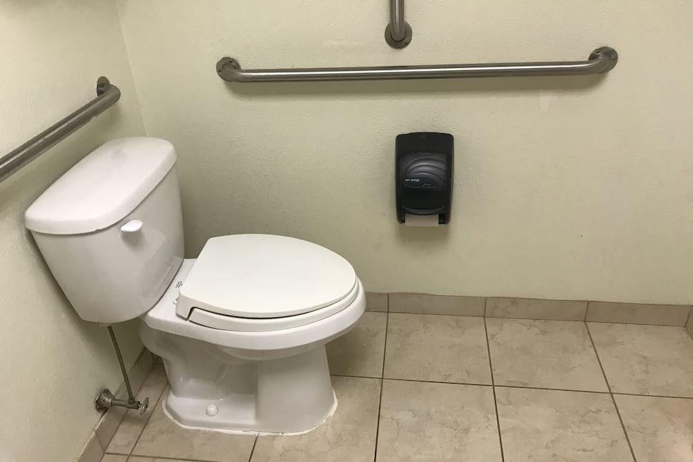 Economy Room, 1 Queen Bed, Accessible - Bathroom