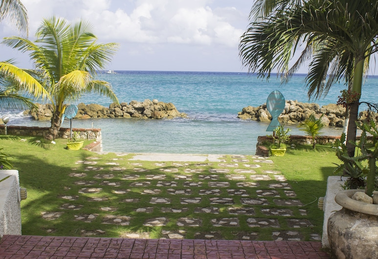 Chrisanns Beach Resort, Tower Isle, Vista desde el hotel
