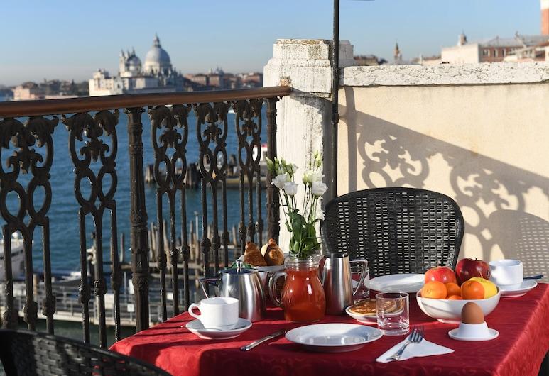 Residenza A Tribute To Music, Venecia, Restaurante al aire libre