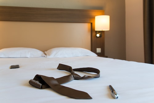 川薩特布里特酒店/