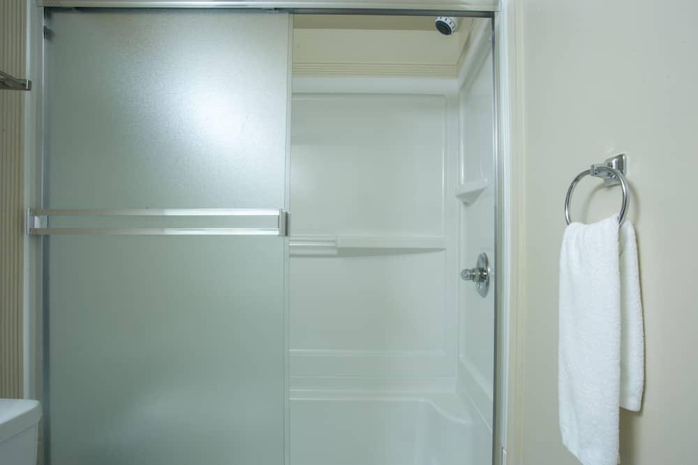Studio - Bathroom Shower
