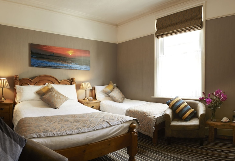 Ashburton House, Scarborough, Family Room (2 Adults + 1 Child), Guest Room