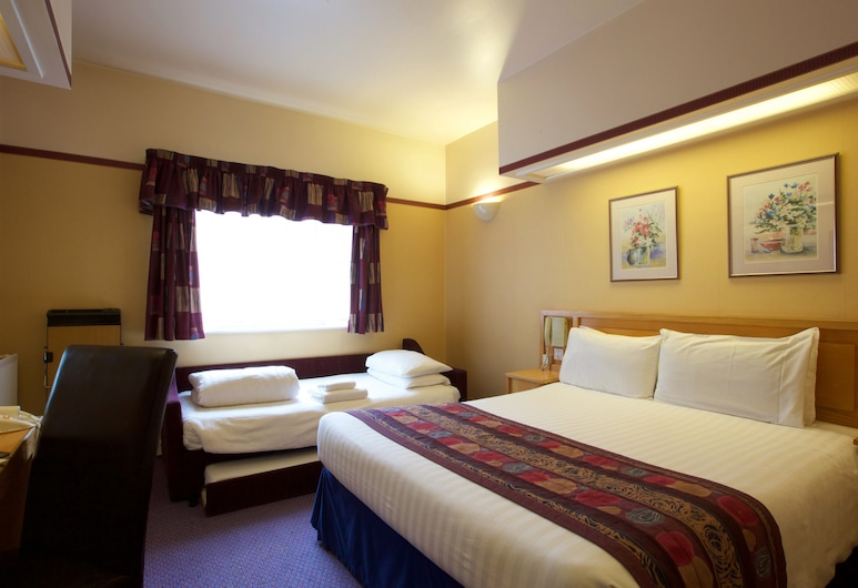 Derby Inn, Sure Hotel Collection by Best Western, Derby, Family Room, Guest Room