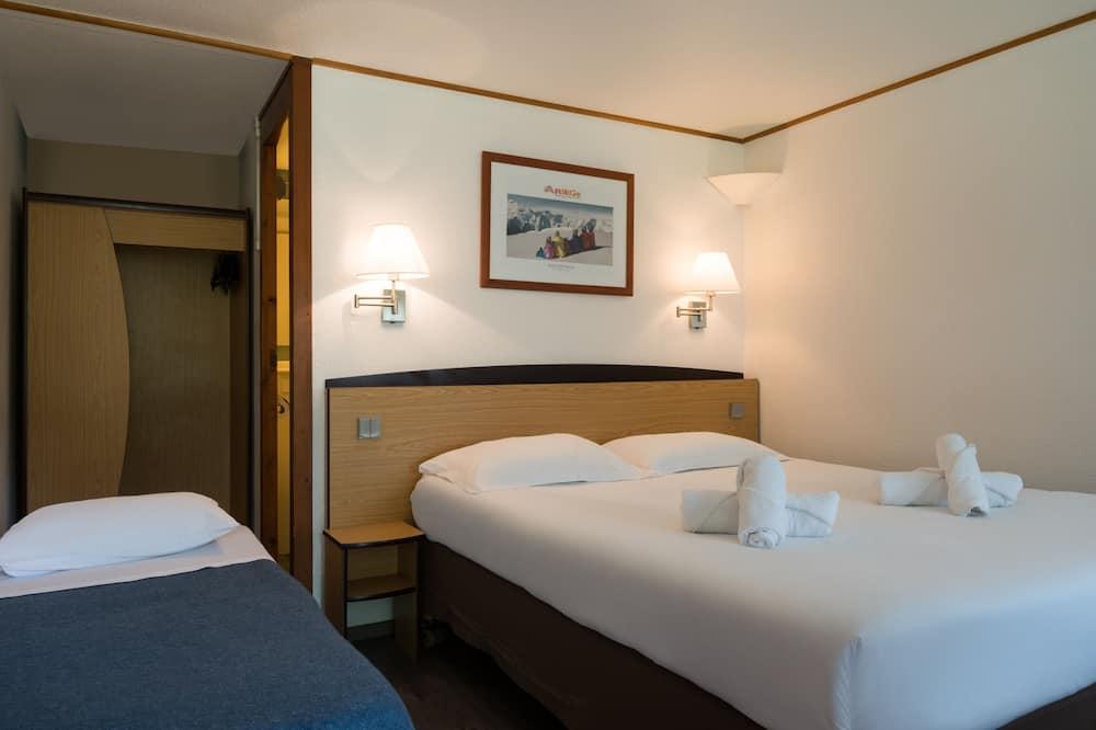 Triple Room, 3 Twin Beds - Guest Room