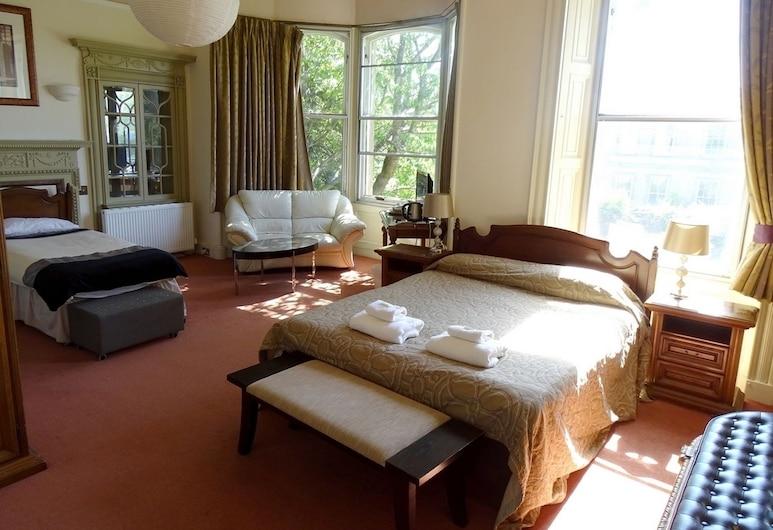 Thrums Edinburgh, Edinburgh, Standard Quadruple Room, Multiple Beds, Guest Room