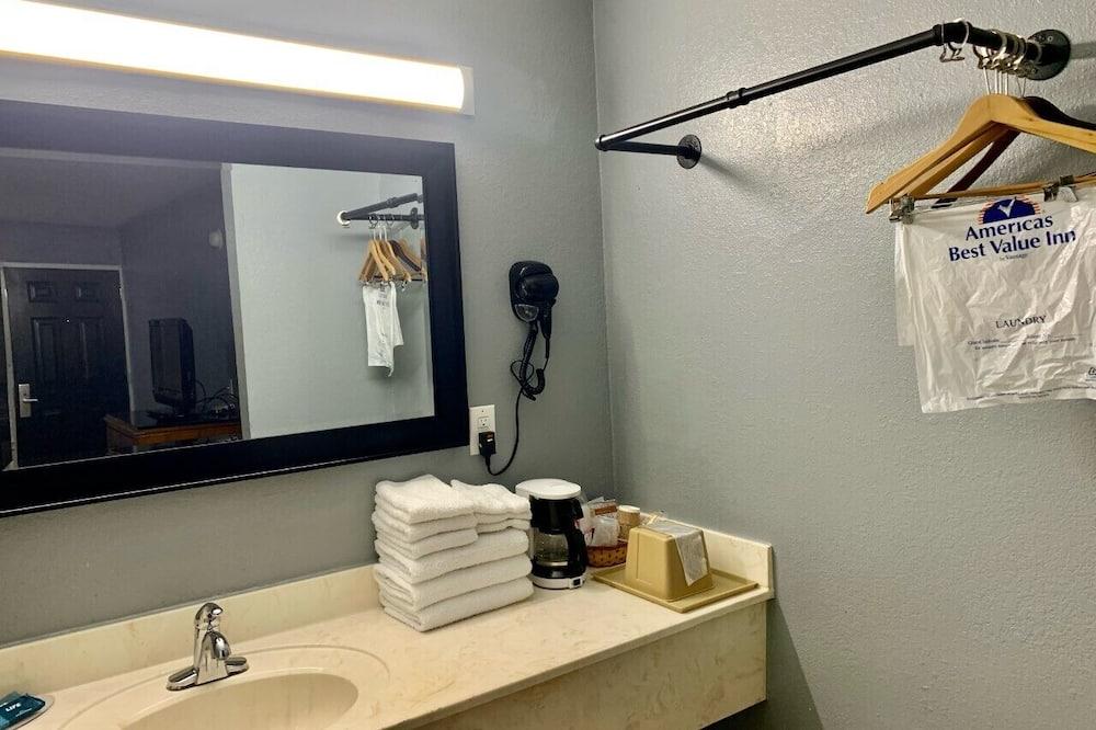 Deluxe-sviitti, 1 suuri parisänky, Tupakointi sallittu - Kylpyhuone